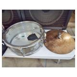 SNARE DRUM AND BRASS CYMBALS