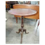 MAHOGANY CANDLE STAND
