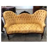 FANCY VICTORIAN UPHOLSTERY  BUTTON AND TUFTED SOFA