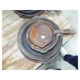 GRADUATED CAST IRON GRISWOLD FRY PANS