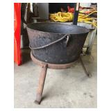 EARLY CAST IRON KETTLE ON TRIPOD STAND