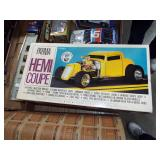 SCALE MODEL HEMI COUP TOY