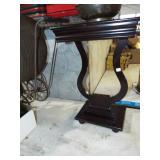 HARP BASE LAMP TABLE