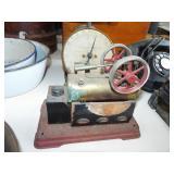 SMALL MODEL STEAM ENGINE