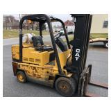 Caterpillar T90D 9000 lb Forklift
