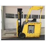 Hyster HSD 3000lb battery operated reach truck
