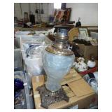 GWTW FROSTED LAMP BASE