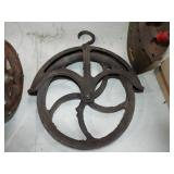 CAST IRON WELL PULLEY