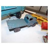 RETRO FLAT BED TRUCK TOY