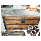 EALRY DOME TOY TRUNK