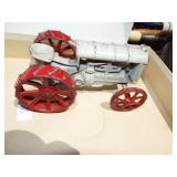 CANST IRON FORDSON TOY TRACTOR
