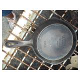 WAGNER #4 CAST IRON FRY PAN
