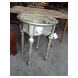 RETRO MIRRORED CANDLE STAND
