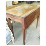EARLY TAPERED LEG DOUBLE DROP LEAF TABLE