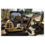 NH EC35 mini trackhoe