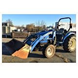 2004 NH TC40DA 4X4 Tractor with front end loader
