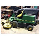 JD F725 Lawn Mower