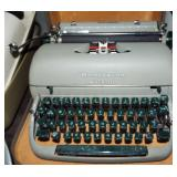 REMINGTON MANUAL TYPEWRITER
