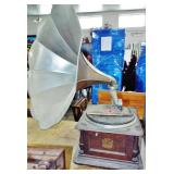 GRAMOPHONE HORN RECORD PLAYER