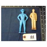 2 male figures