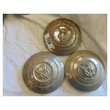 V8 hubcaps