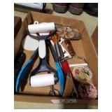 Kitchen utensils w/ Pampered Chef dough roller