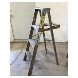Keller Wood step Ladder