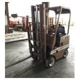 CLARK C25B 2500LB Capacity Slab Forklift, Gas