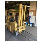 ALLIS-CHALMERS F40-24 2000Lb Propane Forklift