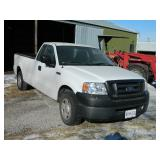 2007 Ford F-150 2wd, V-6, 29k like new,