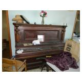 Nice old piano / dont make em like that anymore
