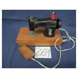 Holly Hobbie Mini Toy Electric Sewing Machine