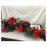 CHRISTMAS FLORAL CENTERPIECE / DECOR
