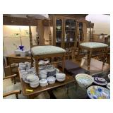 Pennsylvania House Dining table with 4