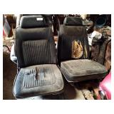 Black Mopar bucket seats application unknown