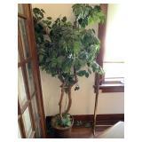 artificial tree & quilt rack