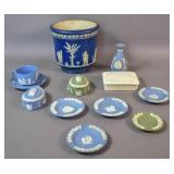 Group of Wedgwood porcelain articles