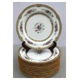 Set of 14 Wedgwood porcelain dinner plates