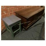 Original Roos Chest and Small Stand