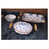 3 Temp-tations Ovenware serving bowls and racks