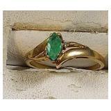 10k yg marquise cut Emerald ring, 1.4 grams