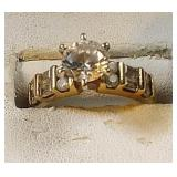 14k yg 7 mm round CZ ring with 12 accent CZ, 4.4