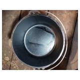 Texsport 8 Qt cast iron dutch oven