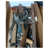 misc hand tools  - approx 17 pieces