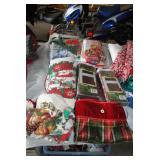 LOT-Christmas Linens