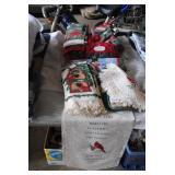 LOT-Christmas Cardinal Linens