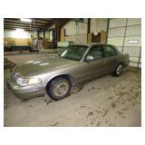 2001 Crown Victoria; 81,000 miles