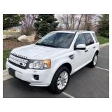 2012 Land Rover LR12 -Leather -Sunroof - 77K Miles