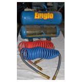 EMGLO 4 GALLON AIR COMPRESSOR AND AIR HOSES