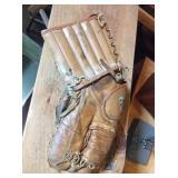 Copper leather catchers mit w/wrist guard